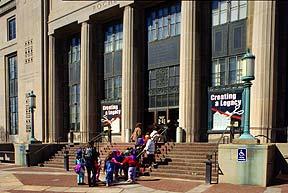 screening of TMIK at rundel memorial library - nov 12, 2010