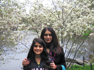 mara and mimi in central park