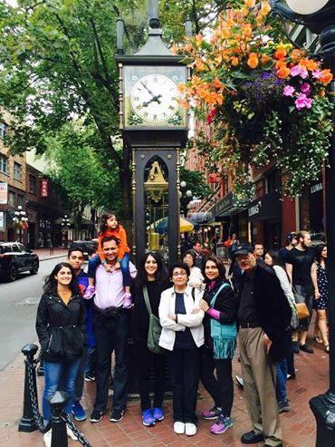 The famous steam clock in Gastown